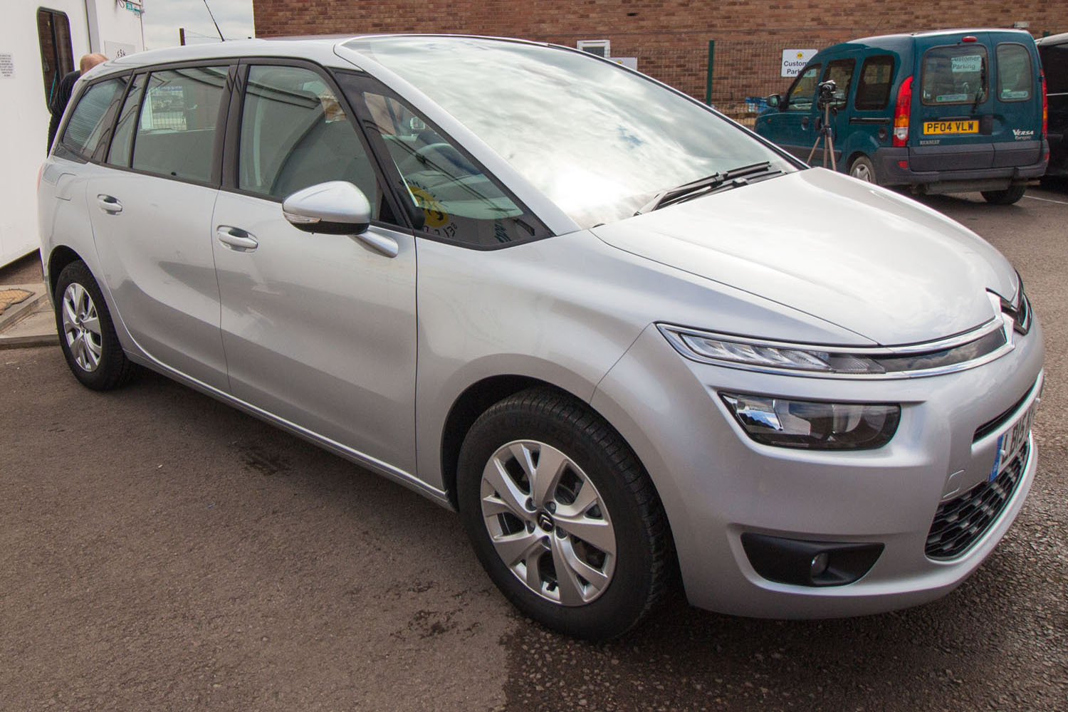 7 Seater Vehicles >> 7 Seater MPV - Redditch Self Drive
